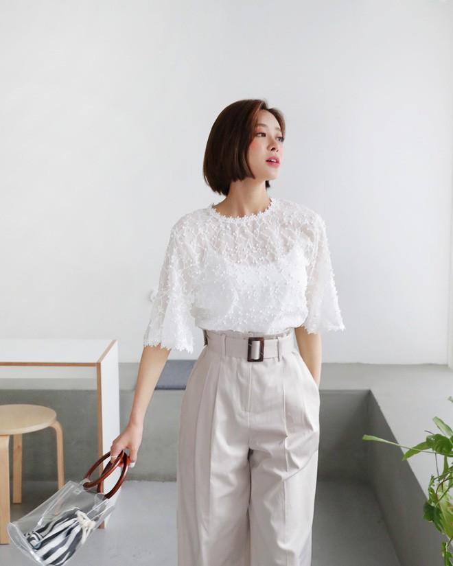 9 gợi ý mặc đồ với chất liệu ren mỏng mát cho nàng công sở những ngày trời nắng nóng - Ảnh 8.