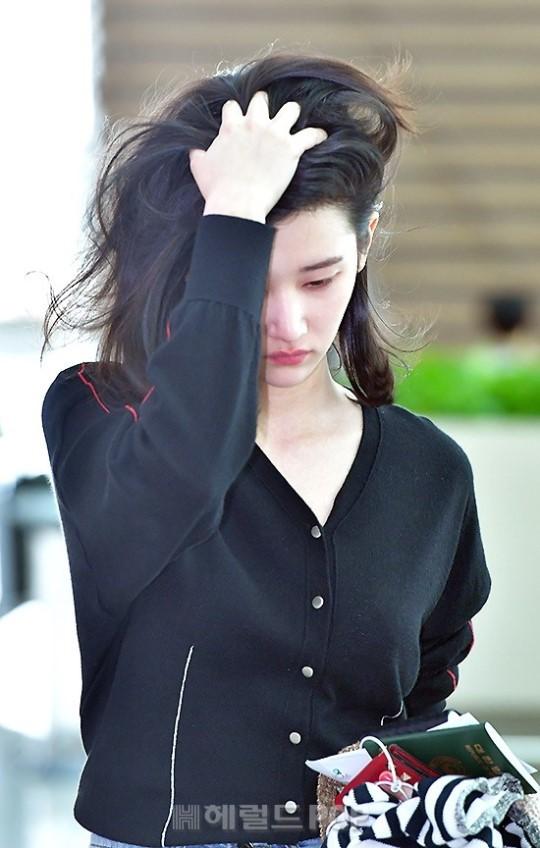 Mới ra mắt, nàng thơ mặt siêu lạnh của xứ Hàn đã dính phốt thái độ trên đường tới Cannes - Ảnh 5.