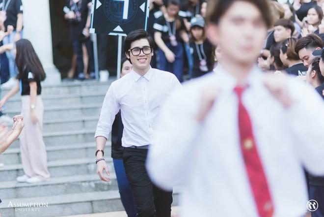 Ở Thái Lan cũng có một ngôi trường mà nơi đó đi 3 bước là gặp trai xinh gái đẹp - Ảnh 6.