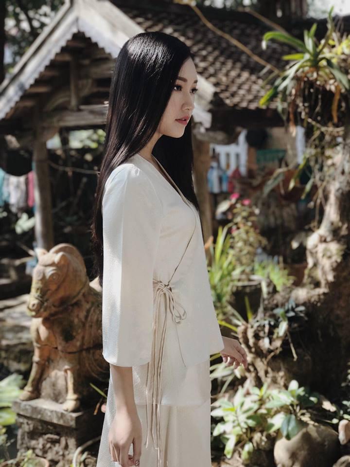 Không hổ danh là Nàng thơ xứ Huế, Ngọc Trân lại khiến bao người ngẩn ngơ vì vẻ đẹp trong sáng, dịu dàng - Ảnh 9.