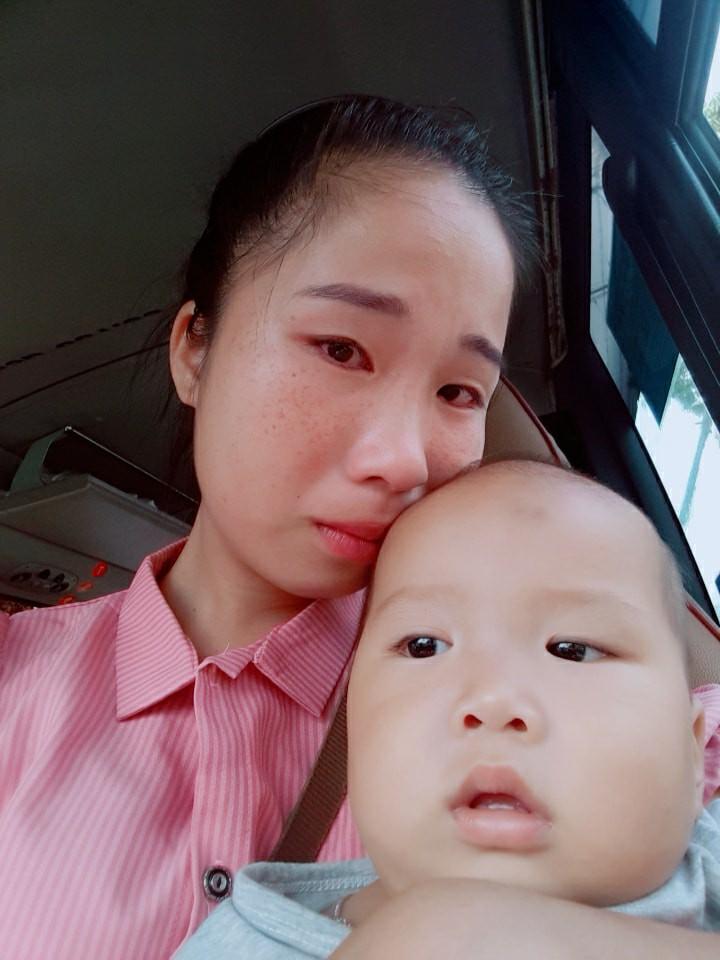 Lấy chồng xa 2 năm mới cho con về thăm ngoại, mẹ trẻ rớt nước mắt khi thấy bà bịn rịn chia tay cháu qua cửa kính xe - Ảnh 4.