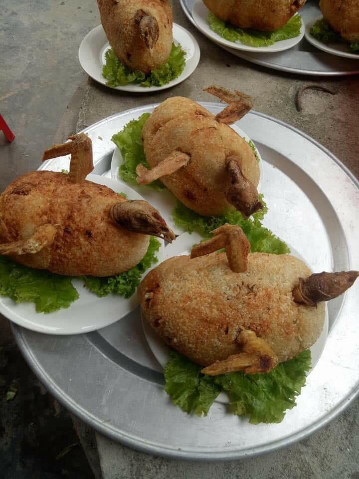 Góc ẩm thực: Xuất hiện món gà suýt thì có lối thoát làm chao đảo giới sành ăn trên MXH - Ảnh 1.