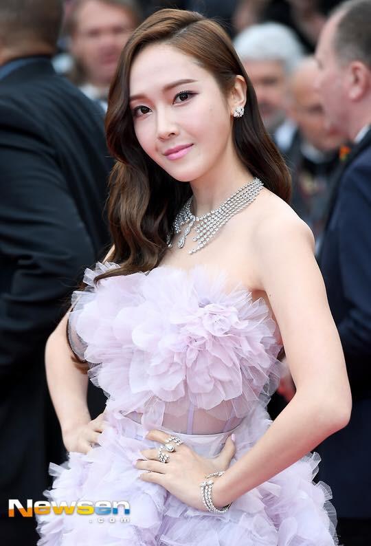 """Muốn làm công chúa """"chặt chém"""" trên thảm đỏ Cannes nhưng dường như Jessica bị thất bại mất rồi - Ảnh 8."""