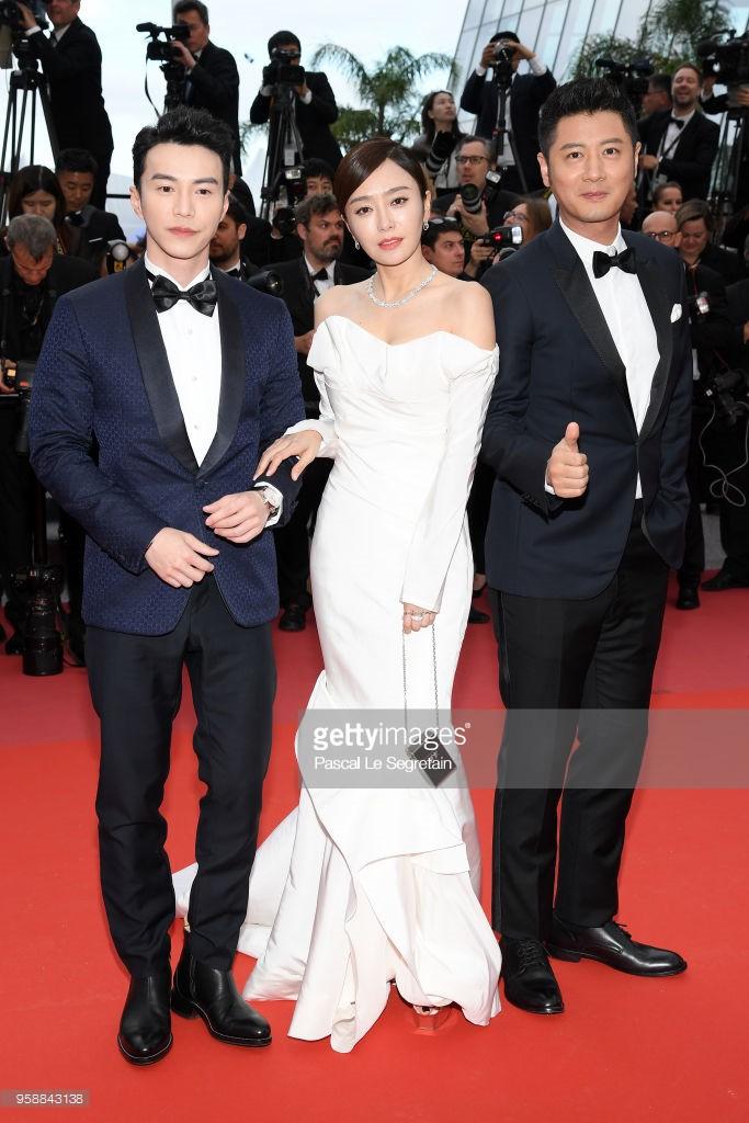 Thảm đỏ Cannes: Sao vô danh cosplay Michael Jackson, Jessica Jung ngốt ngát bên dàn siêu mẫu hạng A hở bạo - Ảnh 5.
