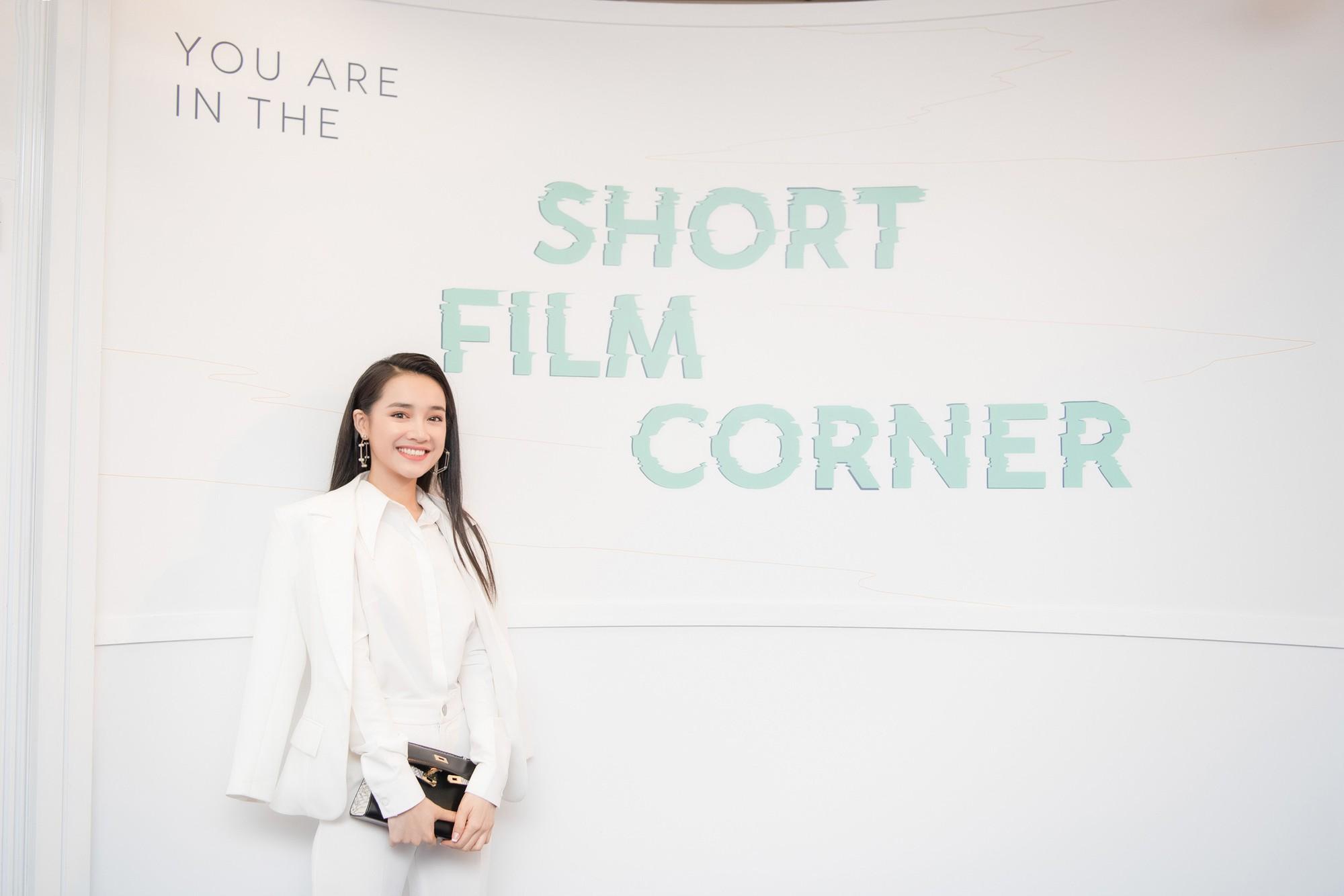 Phim ngắn do Nhã Phương đầu tư và đóng chính được trình chiếu ở LHP Cannes 2018 - Ảnh 9.