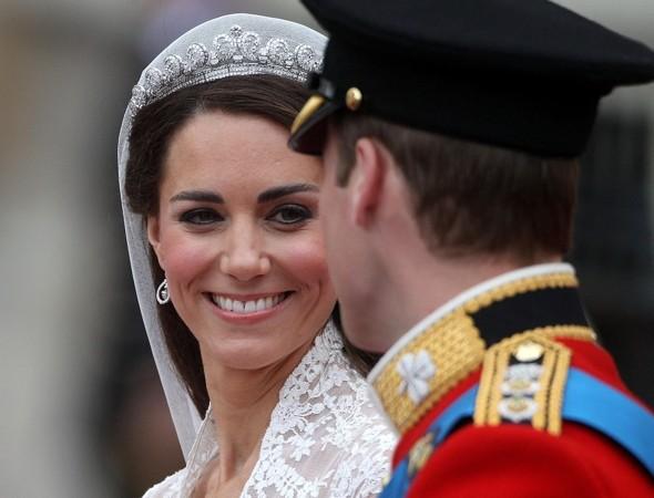Những sản phẩm make-up được công nương Meghan yêu thích và dự đoán về phong cách trang điểm trong đám cưới Hoàng gia Anh - Ảnh 8.