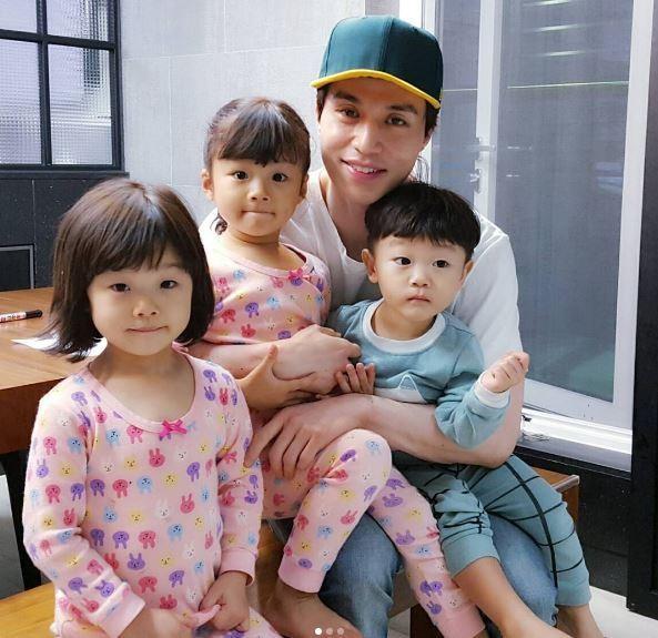 Sau 3 thiên thần nhà Song Il Gook, ai xứng đáng kế thừa danh hiệu Em bé quốc dân? - Ảnh 4.