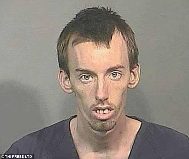 Những tấm ảnh xộ khám hài hước của tù nhân Mỹ: kẻ chỉ có 3 răng, người thì nhìn y chang con lười trong phim Ice Age - Ảnh 6.