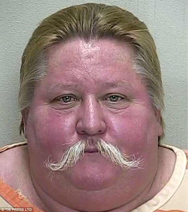 Những tấm ảnh xộ khám hài hước của tù nhân Mỹ: kẻ chỉ có 3 răng, người thì nhìn y chang con lười trong phim Ice Age - Ảnh 10.