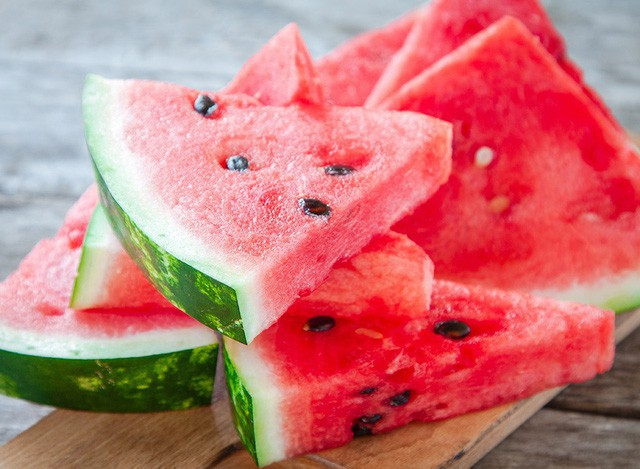 Chế độ ăn có những thực phẩm này sẽ giúp chống nắng, ngăn chặn ung thư da nếu thực hiện đều đặn vào mùa hè - Ảnh 2.