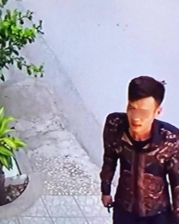 Hà Nội: Truy tìm thanh niên vờ gửi lại quần đùi ở shop quần áo để trộm xe Liberty - Ảnh 2.