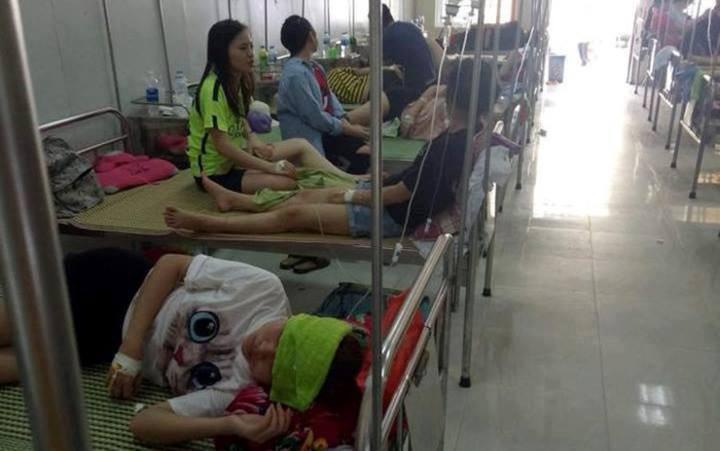 Sau khi ăn liên hoan chia tay tại nhà hàng, hơn 70 sinh viên phải nhập viện vì ngộ độc - Ảnh 1.