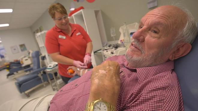 Cánh tay vàng trong làng hiến máu: Cứu 2,4 triệu mạng người nhờ hiến máu trong liên tục 60 năm - Ảnh 3.