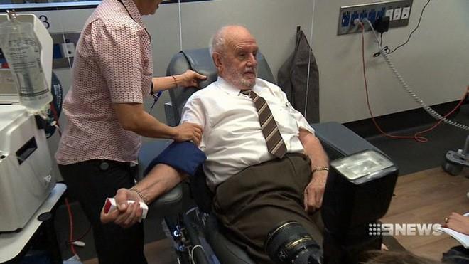 Cánh tay vàng trong làng hiến máu: Cứu 2,4 triệu mạng người nhờ hiến máu trong liên tục 60 năm - Ảnh 6.