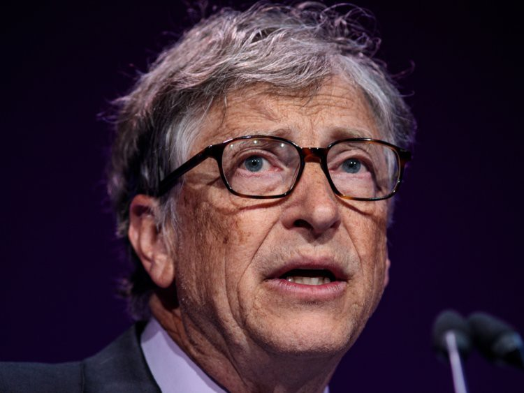 Top 10 ông trùm công nghệ giàu nứt đố đổ vách, tiền nhiều không để đâu cho hết - Ảnh 7.