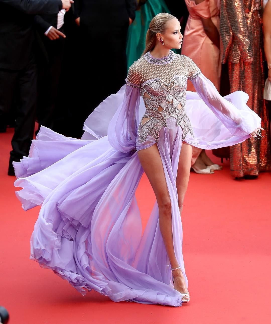 Thảm đỏ Cannes những ngày qua không thiếu công chúa nhưng phải đến bây giờ, nữ hoàng mới thực sự xuất hiện - Ảnh 5.