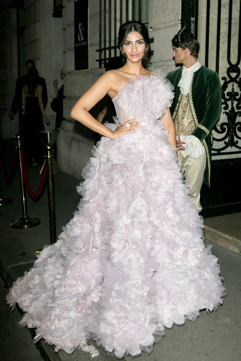 """Muốn làm công chúa """"chặt chém"""" trên thảm đỏ Cannes nhưng dường như Jessica bị thất bại mất rồi - Ảnh 4."""