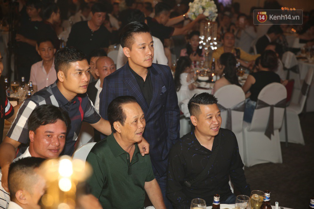 Tuấn Hưng cùng vợ con đến mừng đám cưới bạn thân chí cốt Lâm Vũ - Ảnh 6.