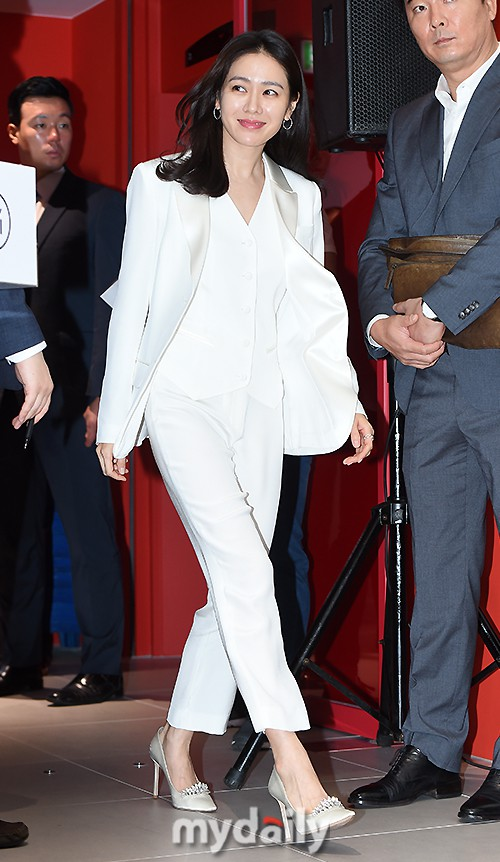 Son Ye Jin chiếm hết spotlight, nhưng mỹ nhân 2 lần đứng đầu top 100 gương mặt đẹp nhất thế giới còn xuất sắc hơn - Ảnh 2.