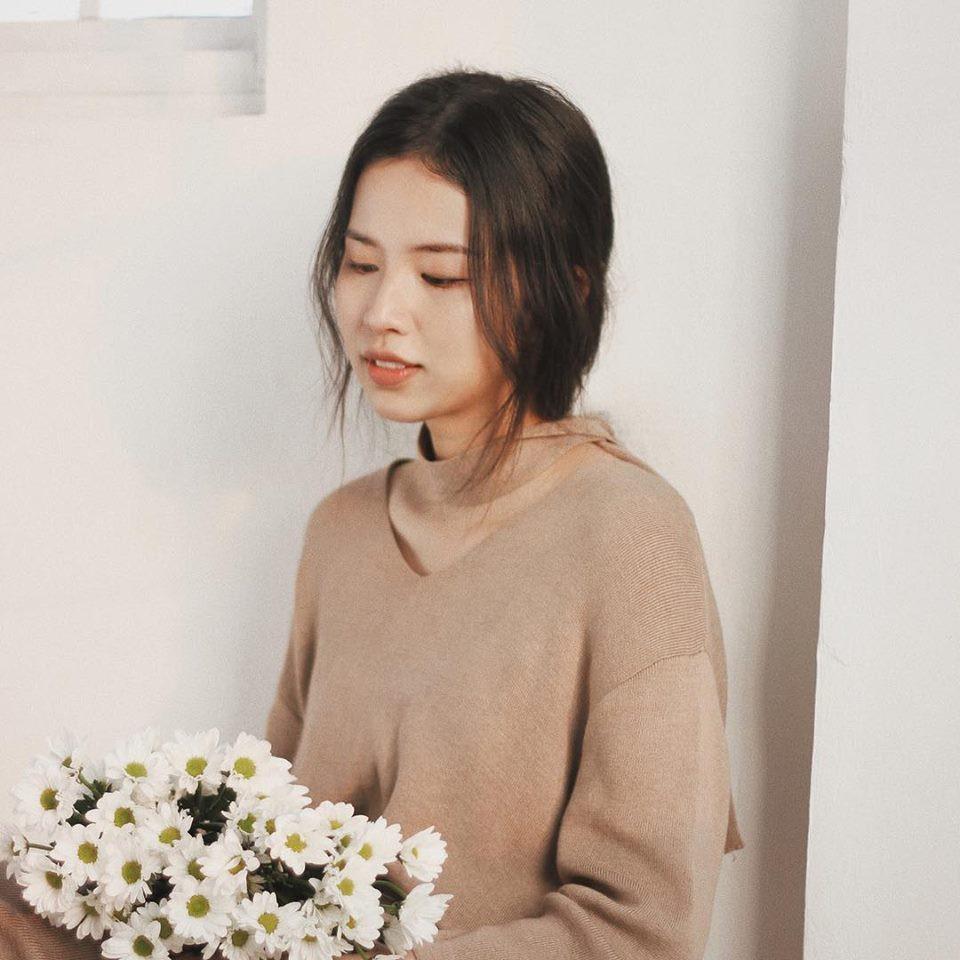 Em họ Hương Giang Idol: Nữ giảng viên trẻ xinh đẹp biết 3 thứ tiếng, cao 1m70 - Ảnh 7.
