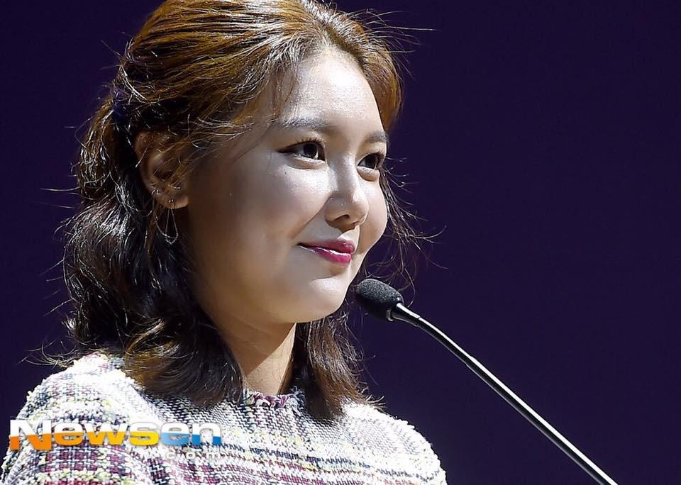 Không tin nổi trước khuôn mặt sưng vù sần sùi mụn, biến đổi chóng mặt của Sooyoung (SNSD) chỉ sau 2 tháng - Ảnh 1.