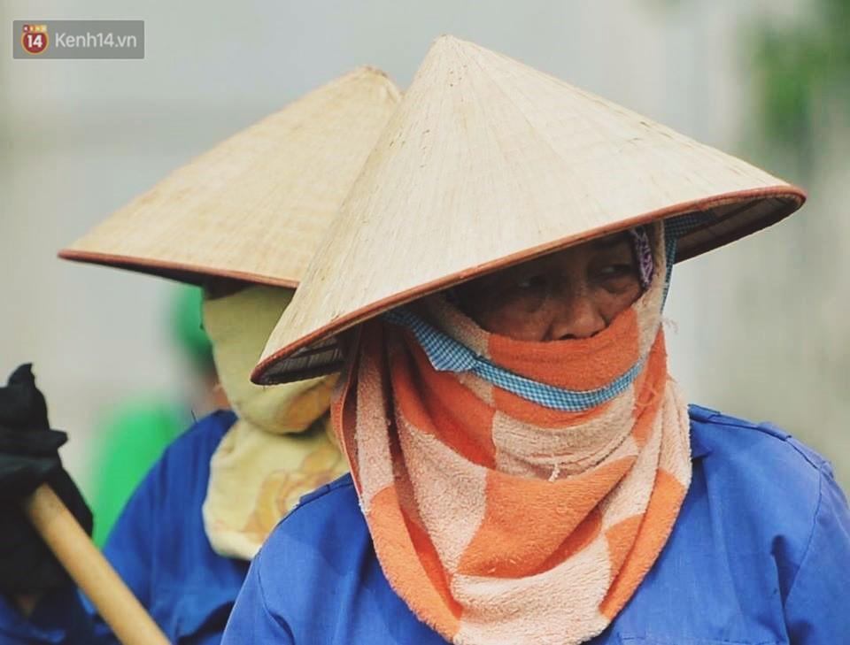 Nhọc nhằn bước chân mưu sinh của những người lao động nghèo dưới nắng nóng Hà Nội - Ảnh 7.