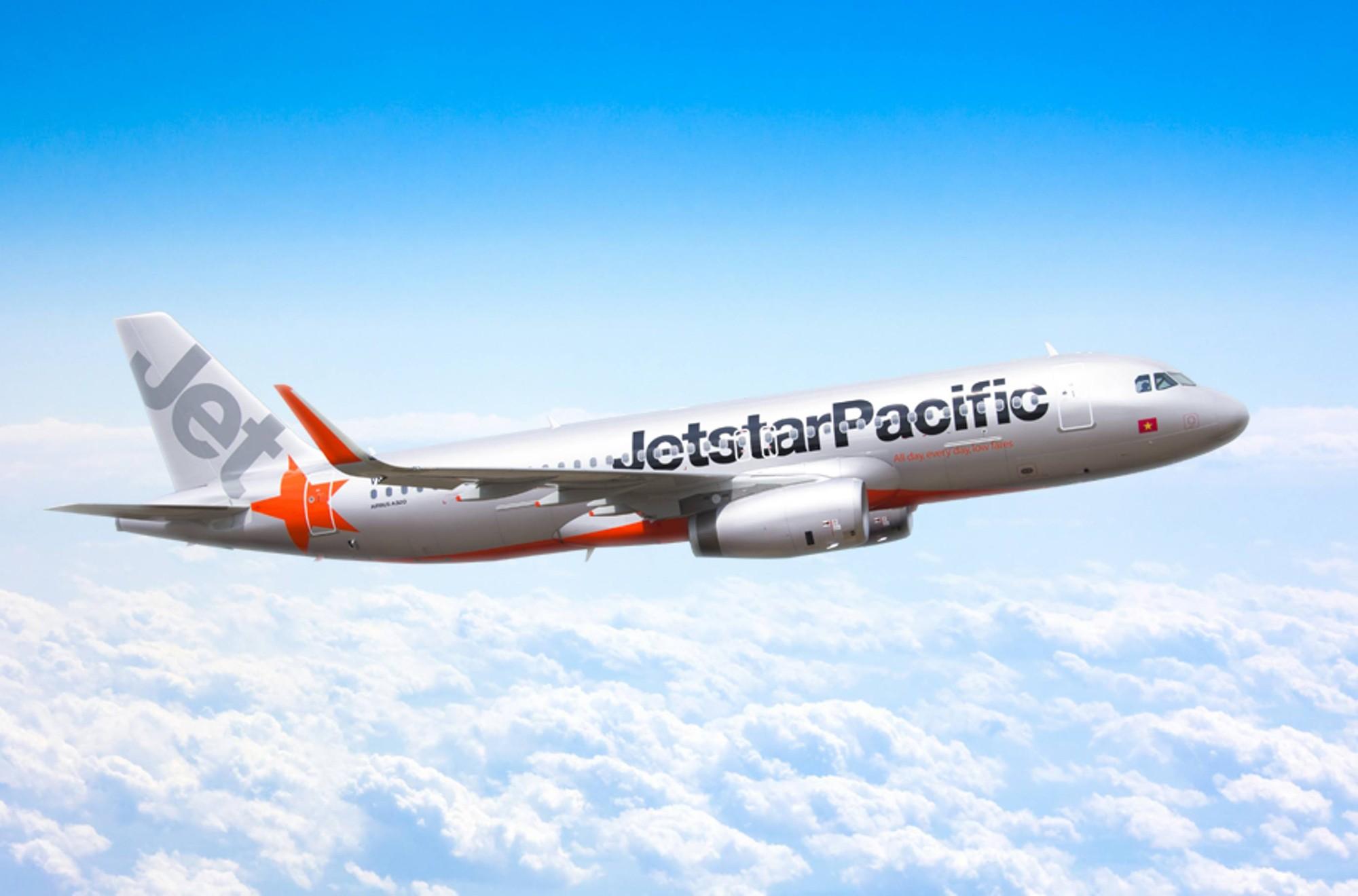 Máy bay dừng khẩn cấp để cứu thai phụ người nước ngoài ở Đà Nẵng - Ảnh 1.