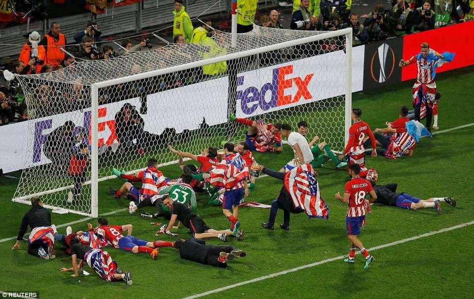Griezmann chói sáng, Atletico lần thứ ba vô địch Europa League - Ảnh 15.