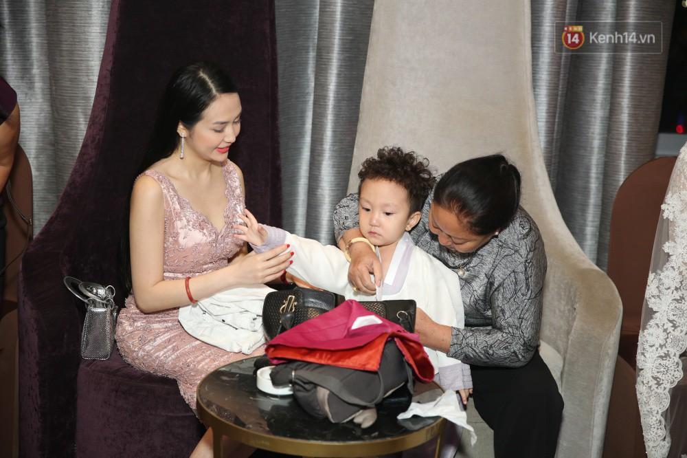 Tuấn Hưng cùng vợ con đến mừng đám cưới bạn thân chí cốt Lâm Vũ - Ảnh 5.