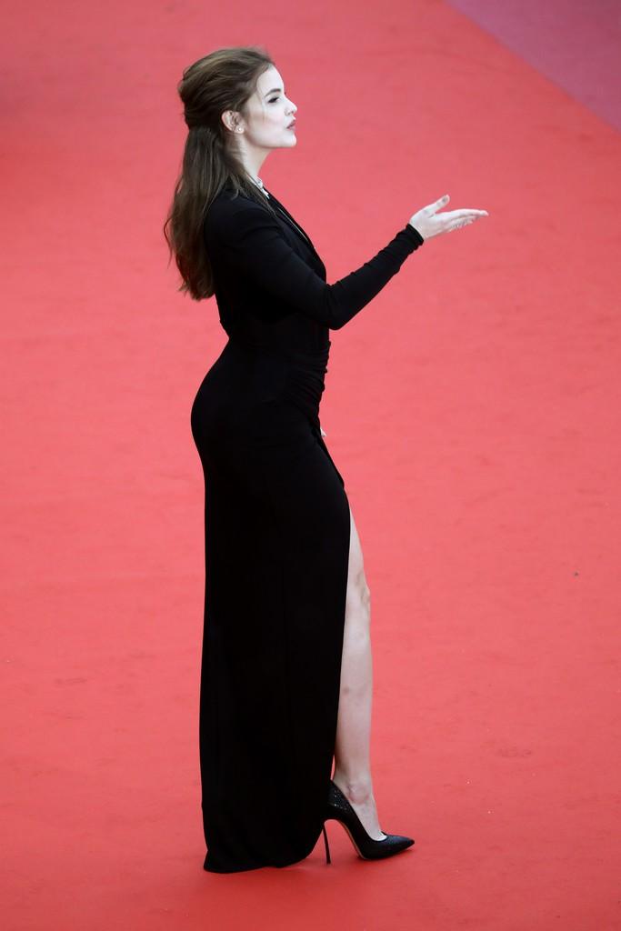 Thảm đỏ LHP Cannes: Huỳnh Hiểu Minh kém sắc, Yoo Ah In bảnh bao xuất hiện cùng dàn siêu mẫu xinh đẹp - Ảnh 14.