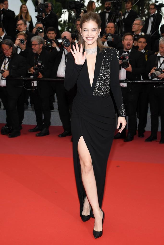 Thảm đỏ LHP Cannes: Huỳnh Hiểu Minh kém sắc, Yoo Ah In bảnh bao xuất hiện cùng dàn siêu mẫu xinh đẹp - Ảnh 9.