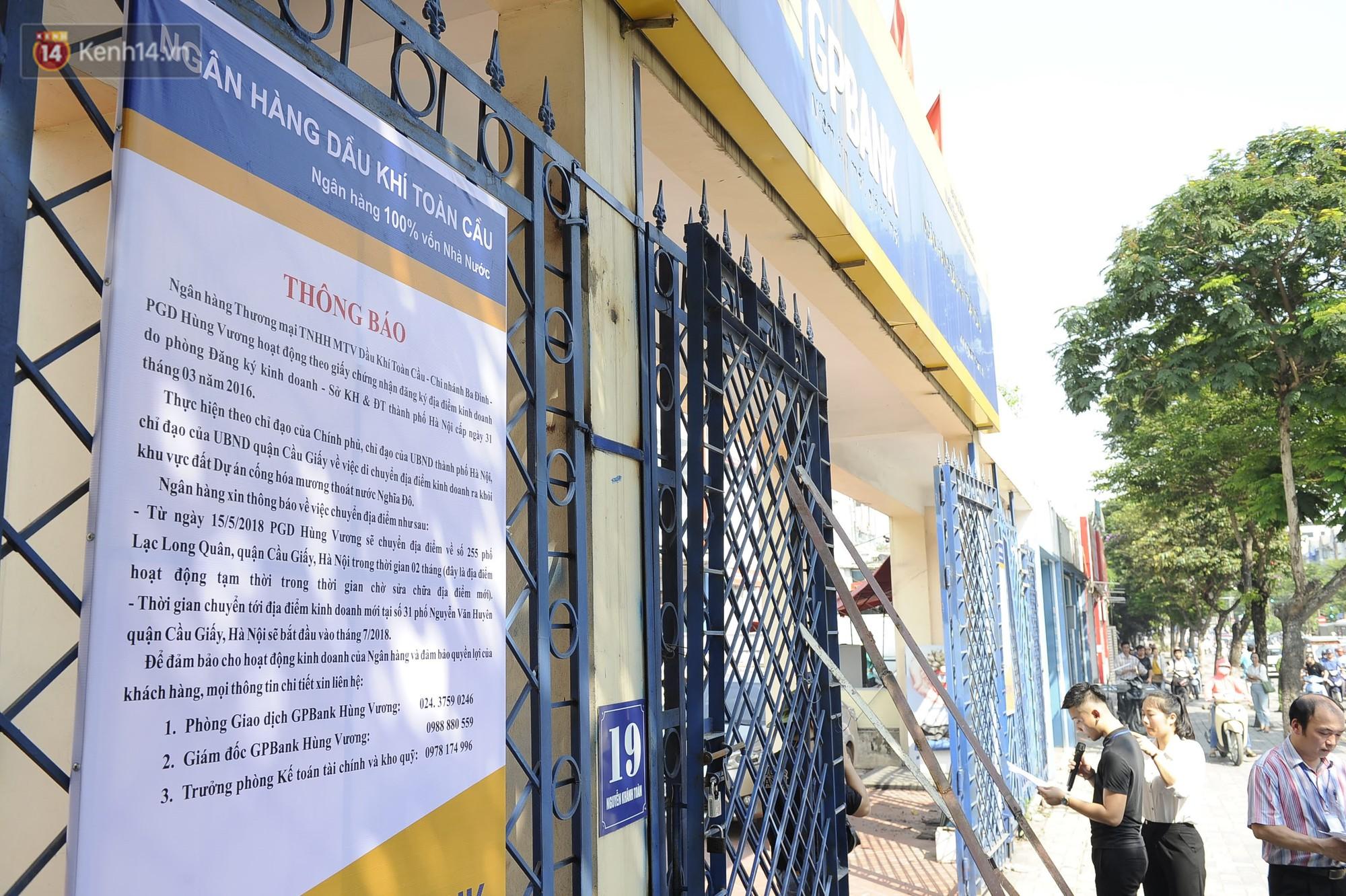 Hà Nội bắt đầu cưỡng chế 42 cơ sở kinh doanh vi phạm trật tự đô thị trên đất vàng Nguyễn Khánh Toàn - Ảnh 6.