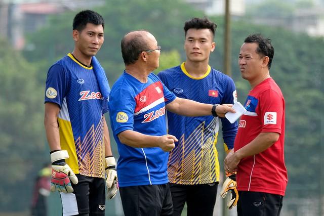 BXH FIFA tháng 5/2018: Đội tuyển Việt Nam xếp trên Thái Lan tới 20 bậc - Ảnh 2.