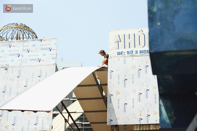 Hà Nội bắt đầu cưỡng chế 42 cơ sở kinh doanh vi phạm trật tự đô thị trên đất vàng Nguyễn Khánh Toàn - Ảnh 11.