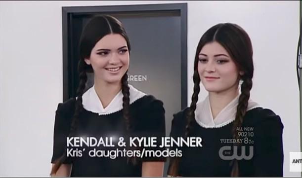 Đây là Kendall - Kylie Jenner lúc còn làm nền cho dàn thí sinh Next Top Mỹ! - Ảnh 1.