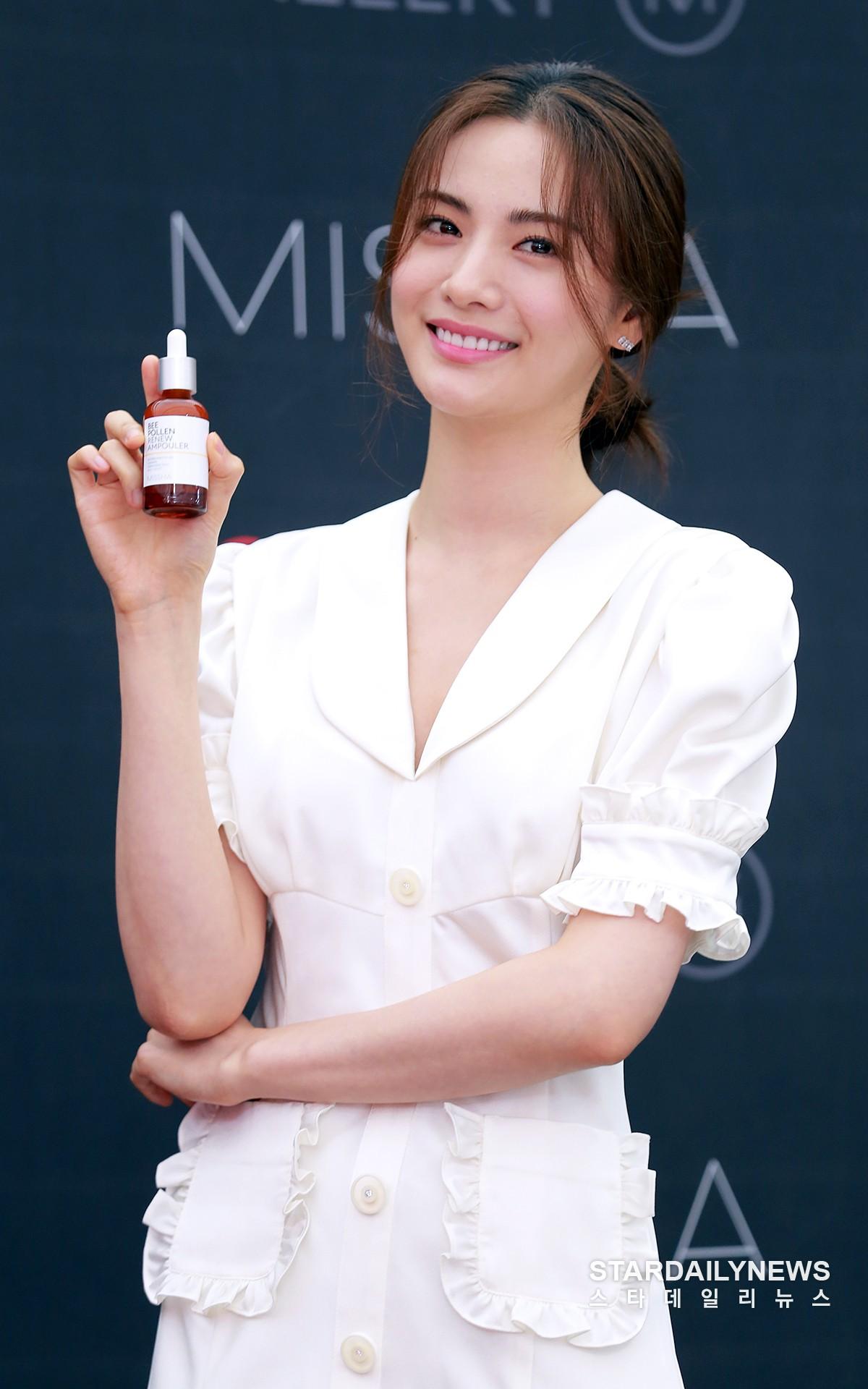 Son Ye Jin chiếm hết spotlight, nhưng mỹ nhân 2 lần đứng đầu top 100 gương mặt đẹp nhất thế giới còn xuất sắc hơn - Ảnh 13.