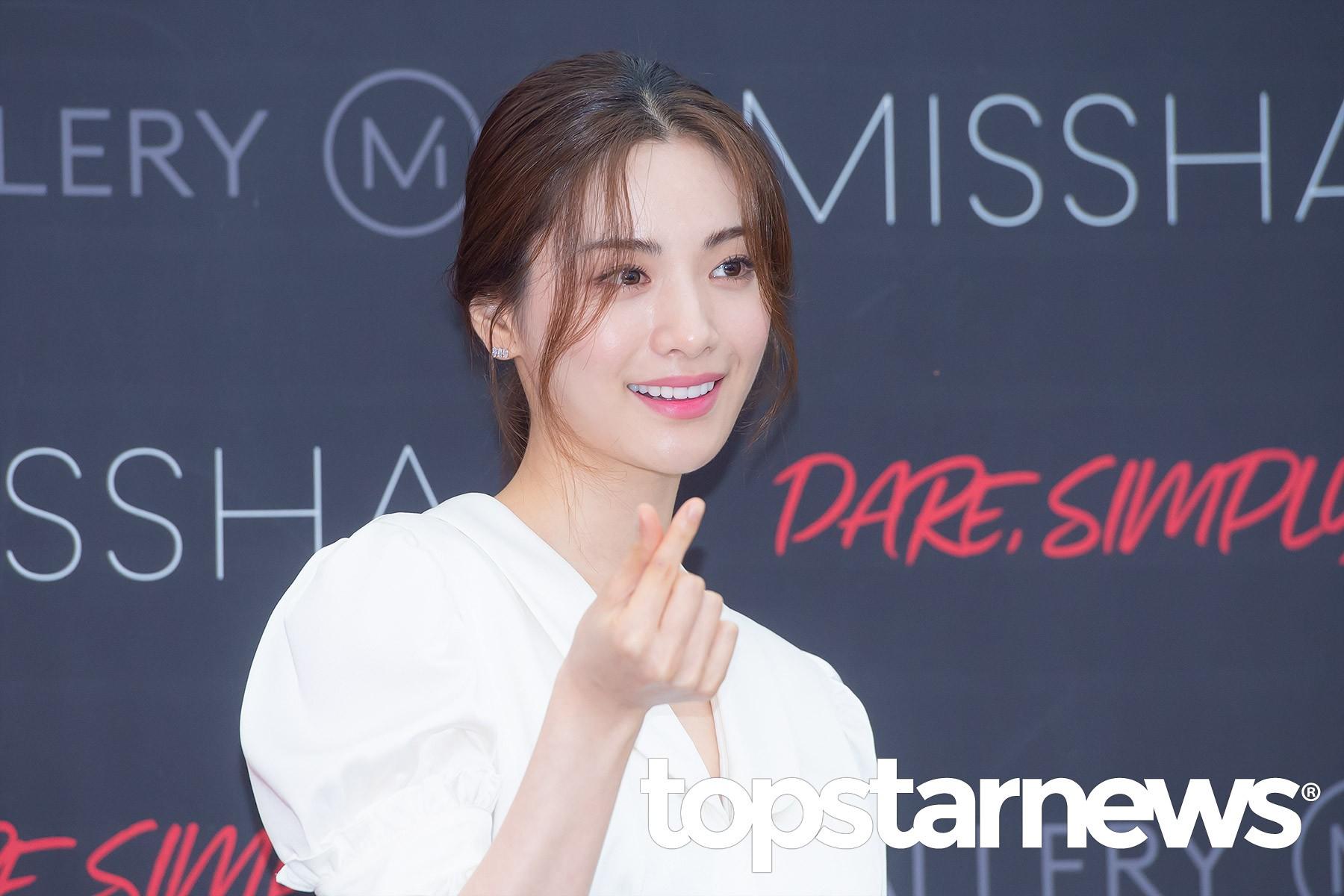 Son Ye Jin chiếm hết spotlight, nhưng mỹ nhân 2 lần đứng đầu top 100 gương mặt đẹp nhất thế giới còn xuất sắc hơn - Ảnh 14.