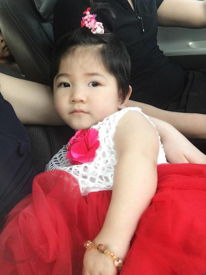 Sau 2 tháng bế em bé Lào Cai xinh như công chúa trong đám cưới, mẹ nuôi 9X của Yến Nhi khoe mang thai con đầu lòng - Ảnh 3.