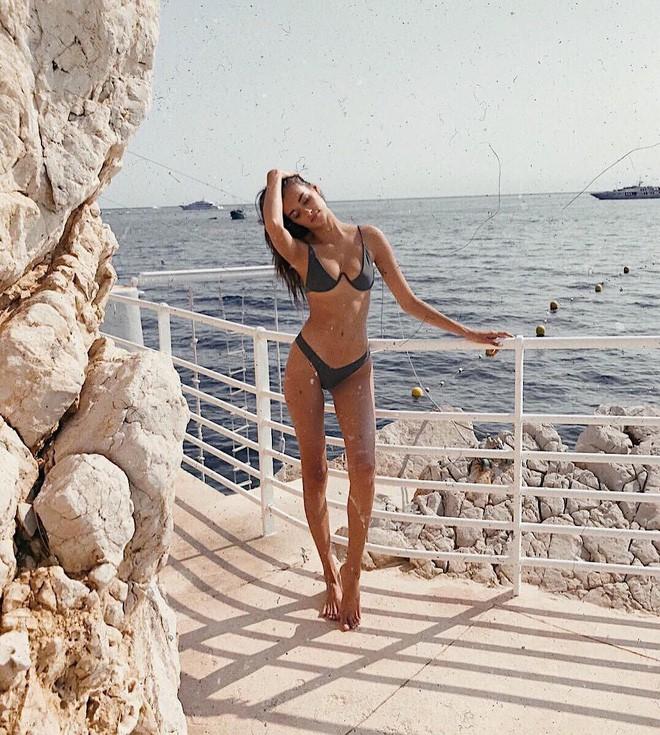 """Nàng nào ngực nhỏ thì hẳn sẽ rất cần mẫu bikini """"ảo diệu"""", giúp tôn dáng vòng 1 hiệu quả này - Ảnh 7."""
