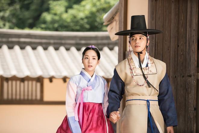 Phận đời bi đát của vương hậu xứ Hàn: Tại vị vỏn vẹn 7 ngày, bị cuốn vào vòng xoáy vương quyền, mất cha và chết đơn độc nơi lưu đày - Ảnh 8.