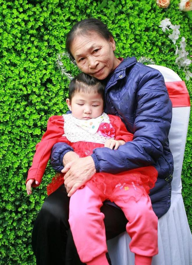 Sau 2 tháng bế em bé Lào Cai xinh như công chúa trong đám cưới, mẹ nuôi 9X của Yến Nhi khoe mang thai con đầu lòng - Ảnh 8.