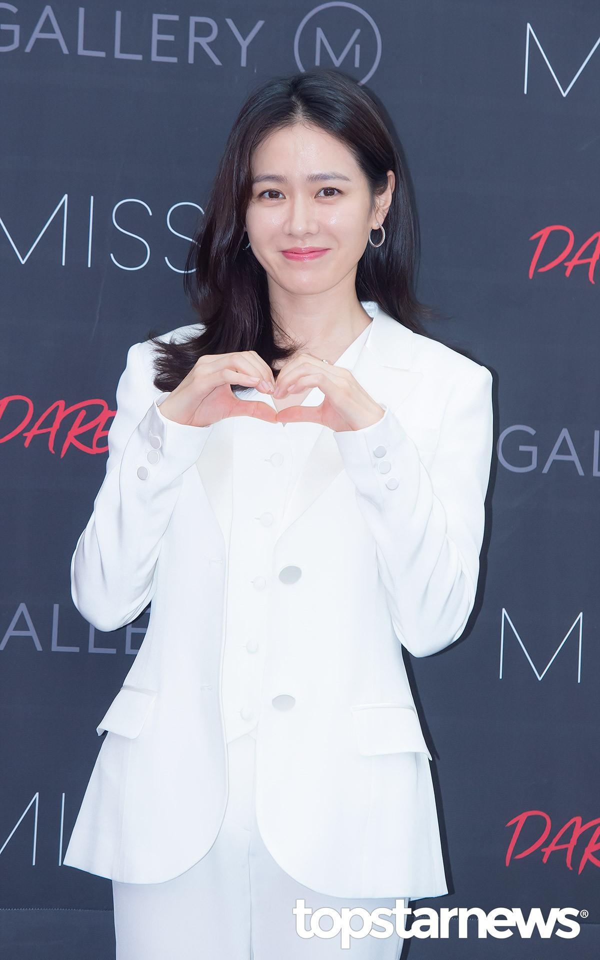 Son Ye Jin chiếm hết spotlight, nhưng mỹ nhân 2 lần đứng đầu top 100 gương mặt đẹp nhất thế giới còn xuất sắc hơn - Ảnh 5.