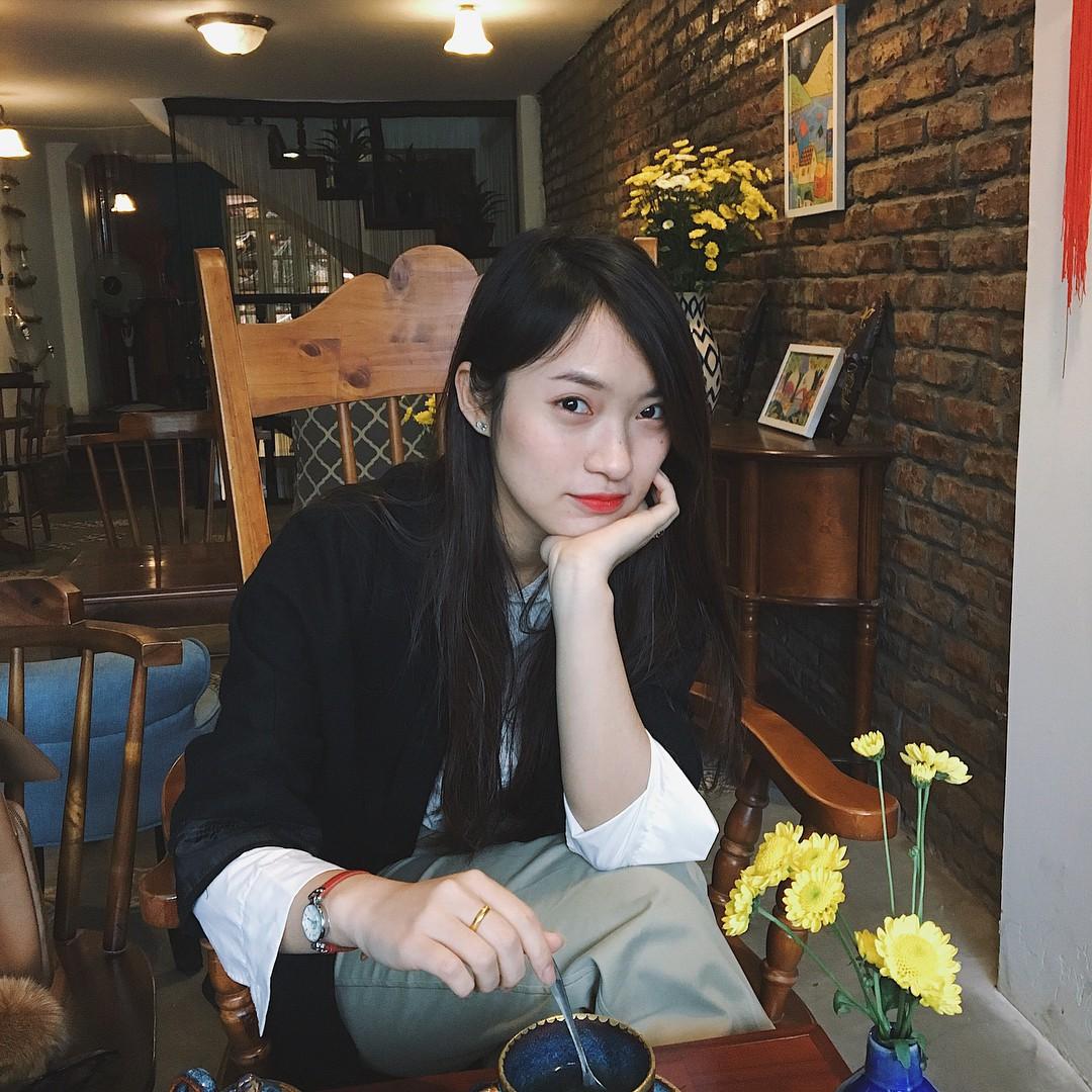 Phía sau những tấm ảnh đẹp, hot girl Việt nào đang dẫn đầu trên đường đua cận thị? - Ảnh 23.