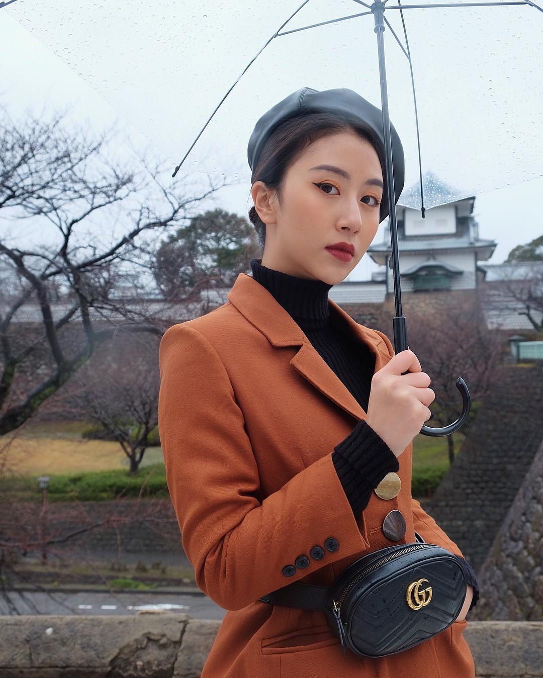 Phía sau những tấm ảnh đẹp, hot girl Việt nào đang dẫn đầu trên đường đua cận thị? - Ảnh 11.