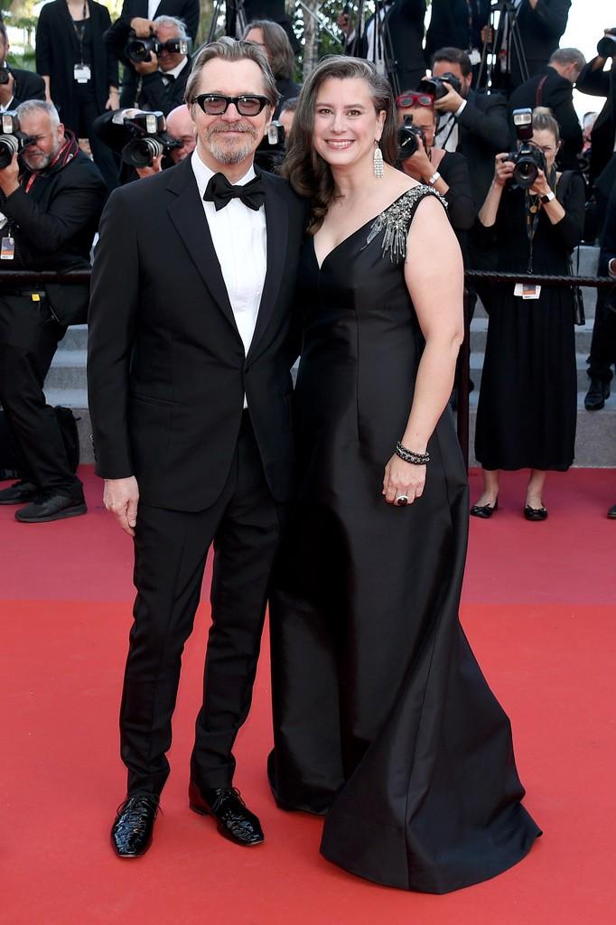 Thảm đỏ LHP Cannes bỗng xuất hiện Phạm Băng Băng hàng nhái hở ngực, lộ vùng dưới cánh tay bị thâm - Ảnh 8.