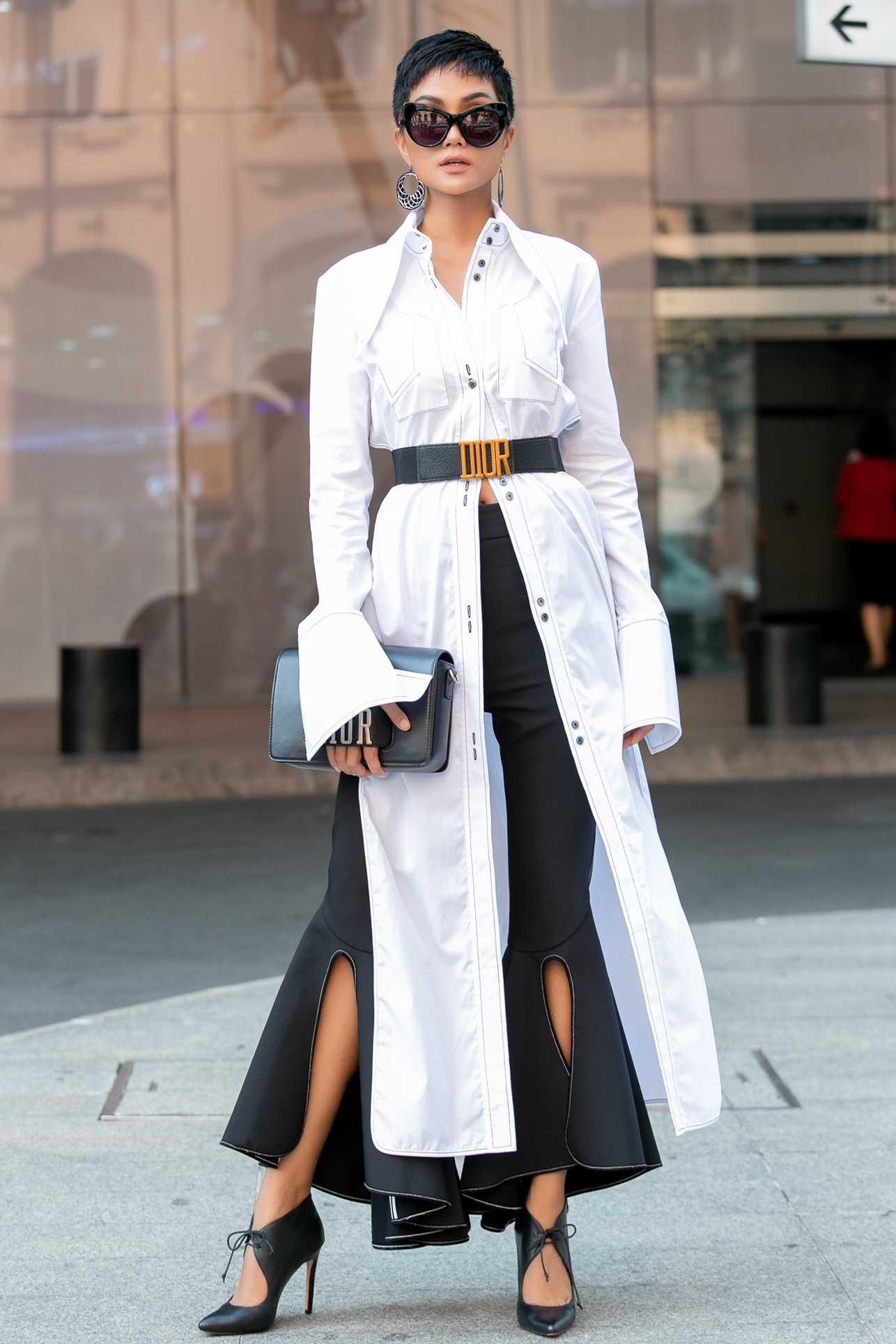 Nhìn lại loạt Best Look của các sao mới thấy, sự ra đi của stylist Mì Gói quả là mất mát đáng tiếc với thời trang Việt - Ảnh 4.