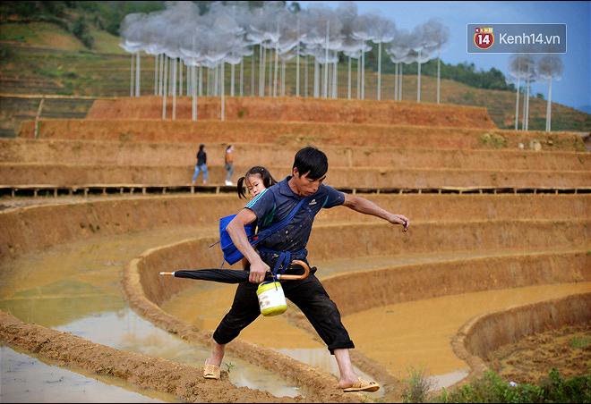 Cận cảnh triển lãm Mây pha lê trên đồi mâm xôi hot nhất Mù Cang Chải từng khiến dân phượt lo ngại - Ảnh 9.