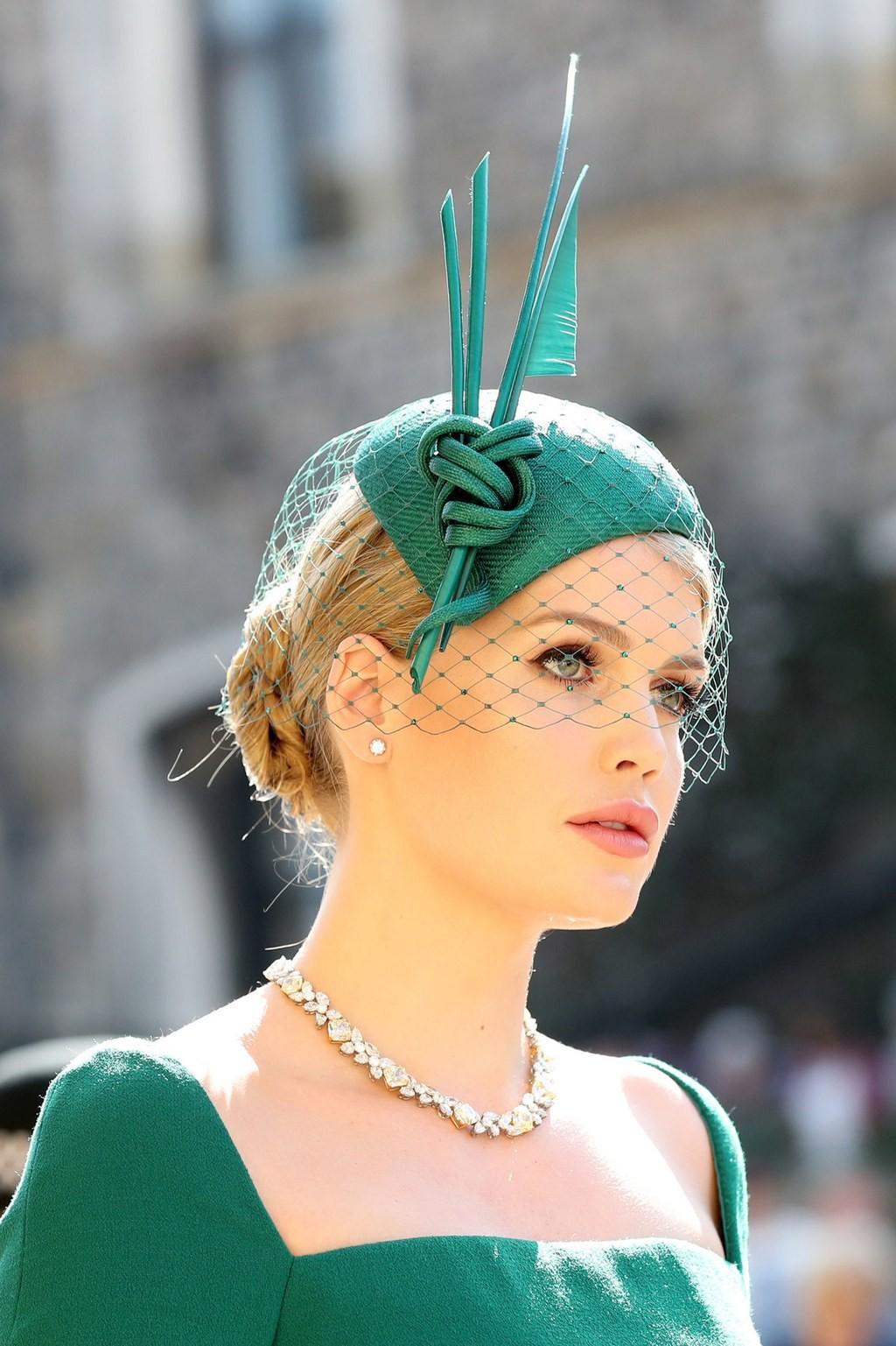 Ngắm thời trang tại đám cưới hoàng gia mà bỏ lỡ 15 chiếc mũ tinh xảo này thì bạn đã bỏ qua đặc sản rồi - Ảnh 4.