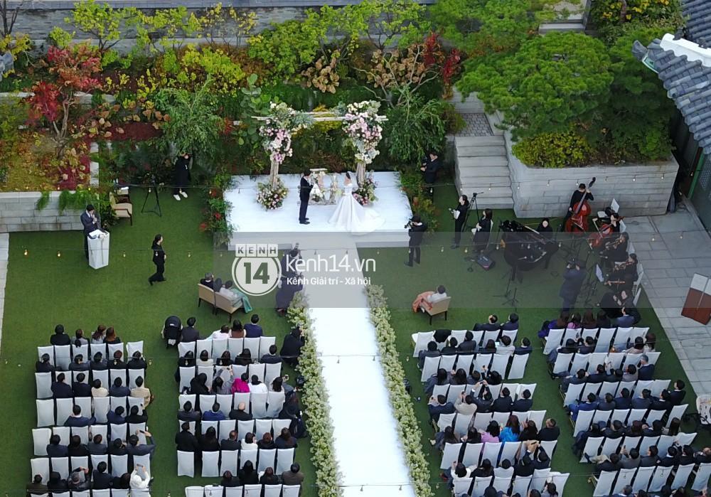Rần rần trước loạt chi tiết trùng khớp giữa đám cưới Hoàng Gia Anh và hôn lễ thế kỷ của Song Song - Ảnh 6.