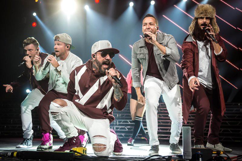 Vừa tung MV trở lại, các chú Backstreet Boys đã úp mở về tận 2 album mới trong năm 2018 - Ảnh 1.